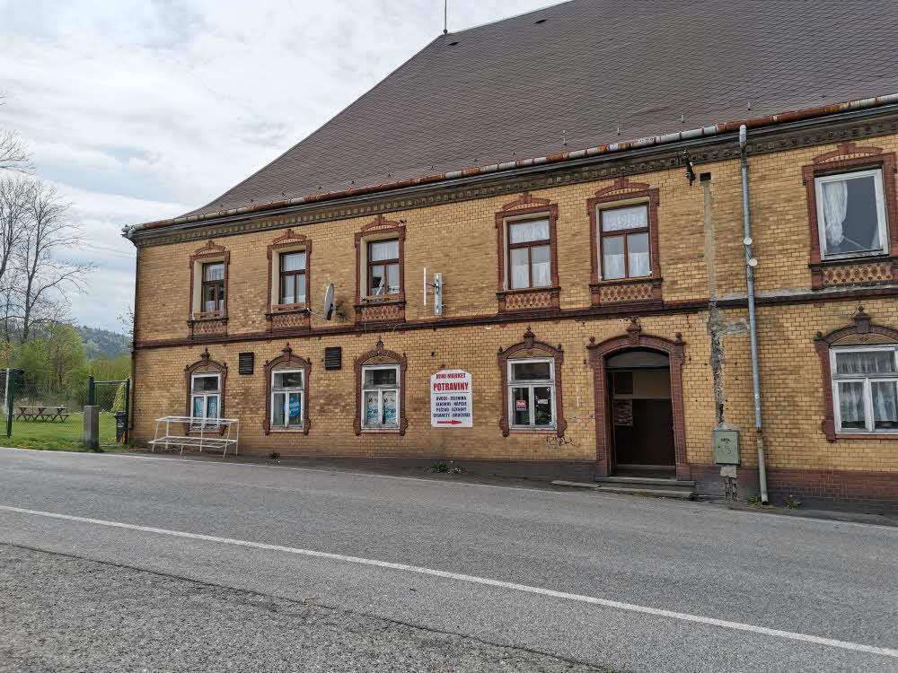 Vitenamský obchod v Horní Chřibské